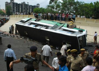 A road accident in India. Image by Gavaskar.tk via Wikimedia Commons