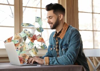 How to use technology to make money online?