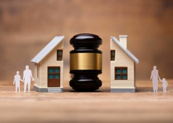 Before you stand in front of the judge, you should make a few necessary preparations. These include meeting with your attorney, gathering all the paperwork, reading the law, checking the court's rules, and preparing questions for witnesses. Here are a few more tips you should follow when heading to divorce court.