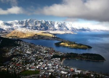 Queenstown is proving a popular destination for Kiwi holidaymakers. Photo credit: Bernard Spragg via Wikipedia