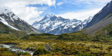 Isolated New Zealand landscape. Image by kewl from Pixabay
