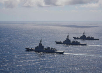 HMA Ships Hobart, Brisbane and Sydney conduct manoeuvres, off the south coast of New South Wales. Photo credit: Department of Defence