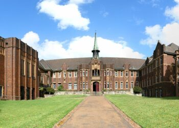 Wesley College at the University of Sydney. Photo credit: Toby Hudson via Wikipedia